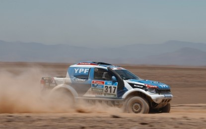 Clean run for YPF Competicion Ford Ranger on Dakar SS6