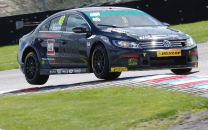 Aron Smith claims maiden BTCC pole