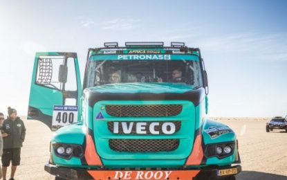Africa Eco Race – Another super fast stage for Iveco's de Rooy