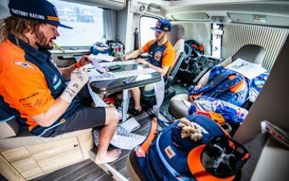 Red Bull KTM on course for Dakar week 2