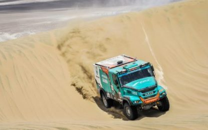 3 Team PETRONAS De Rooy IVECO trucks in Top 5 in SS2 Dakar