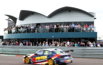 Thruxton hosts thrilling weekend of BTCC action as Jordan stars for BMW