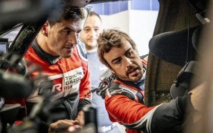 Alonso & Coma together in Toyota Hilux at Morocco Rally