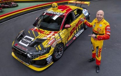 The Showman must go on: Tom Coronel confirms WTCR glory chase