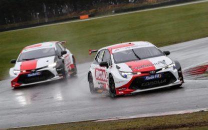 Speedworks-run squad takes to the track to put Toyota BTCC cars through their paces