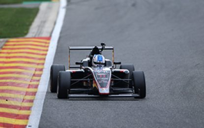 Tough weekend for Alex Dunne as his Debut car race season continues